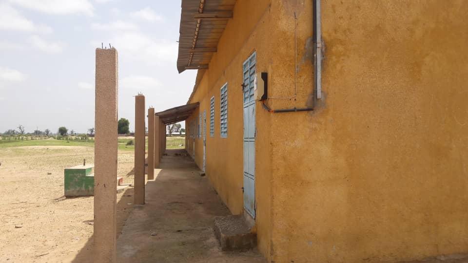 Schule in Garage Diahere Senegal